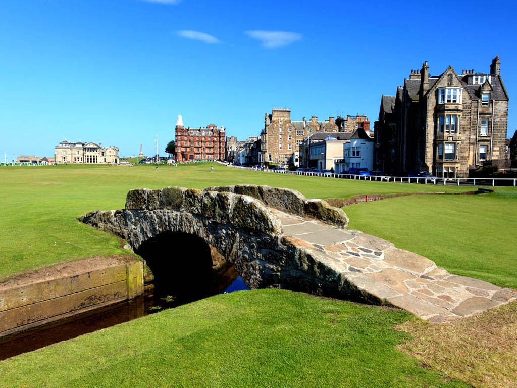 Beautiful Eiffel Tower St Andrews Living The Dream Turfwise Consulting